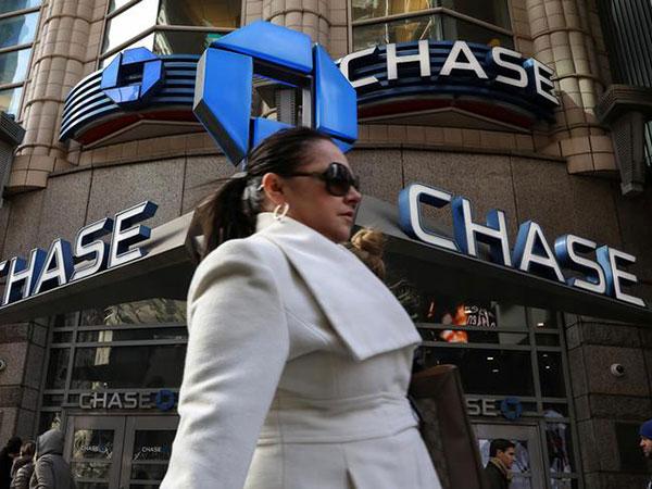 Alexandria Ocasio-Cortez's rebuttal to Chase Bank's thrifty '#MondayMotivation' tweet goes viral