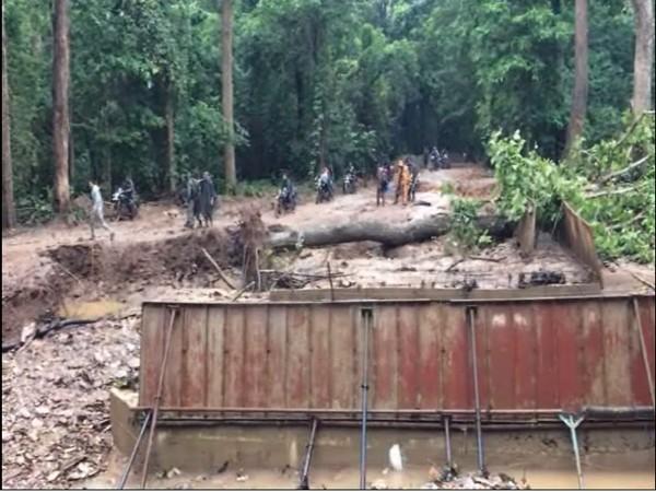 Chhattisgarh: Police organises Civic Action Program in naxal-affected  village
