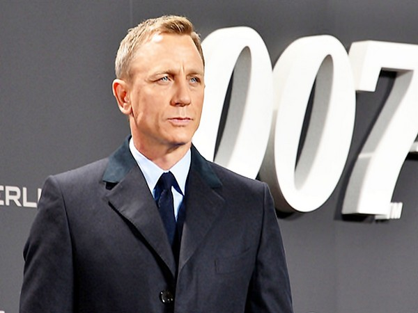 English actor Daniel Craig