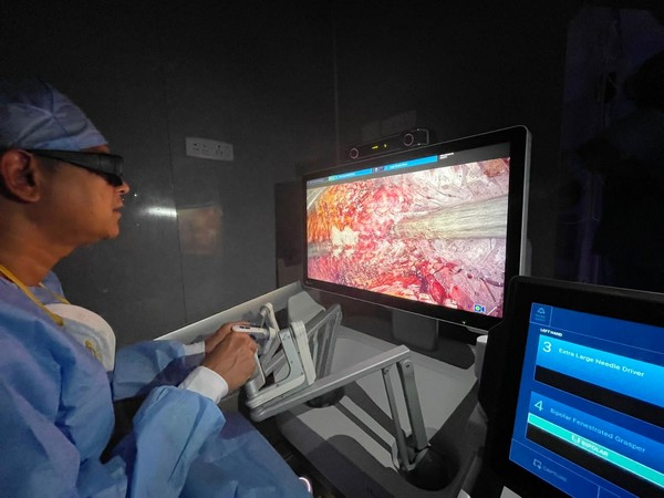 Dr. Ragavan on the Hugo™ RAS console performing the Robotic Prostatectomy