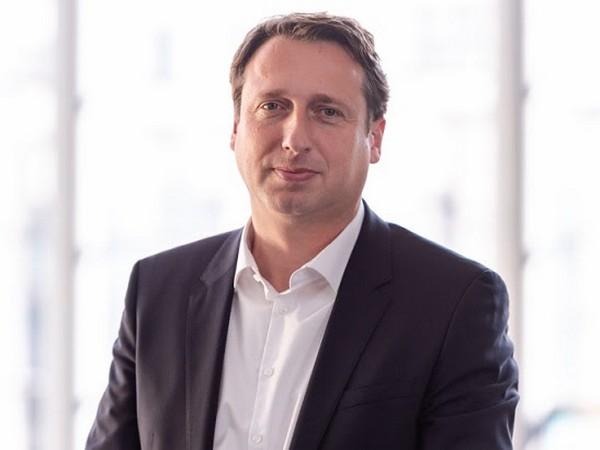 Dr Robert Hentschel