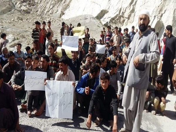 People protesting in PoK against against the Islamabad decision of lease the pasture land of Gilgit Baltistan to China for mining