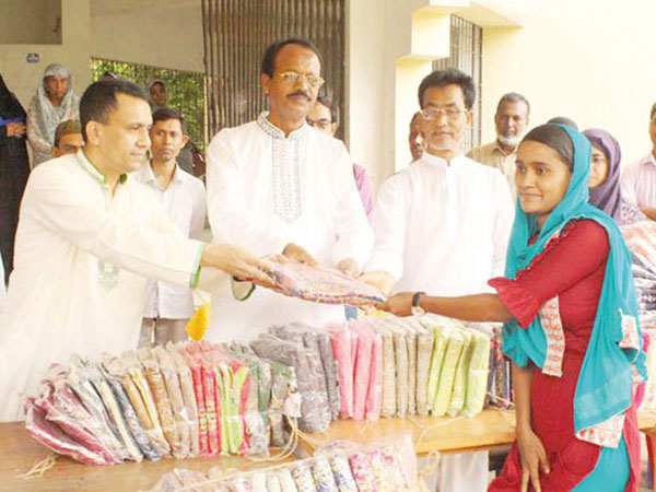 PM sends Eid gifts to underprivileged children in Tungipara