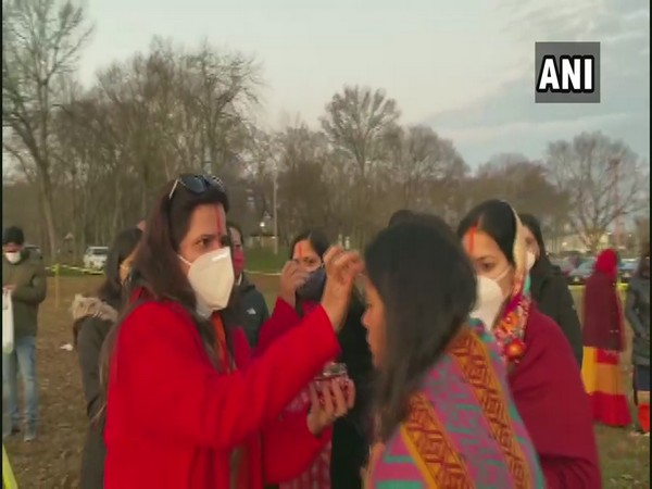 Hundreds of Indian-Americans celebrate Chhath Puja in US