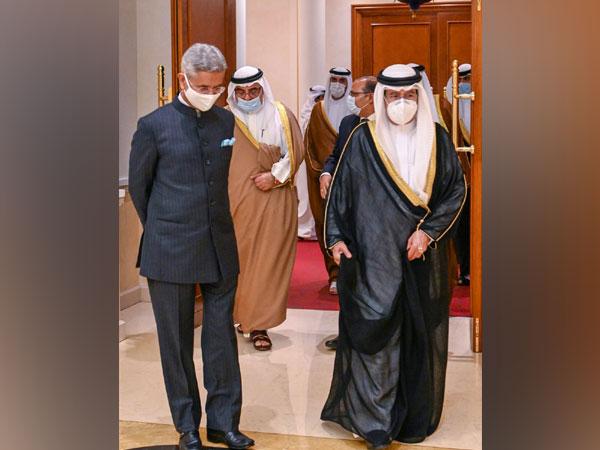 EAM S Jaishankar with Bahrain Deputy Prime Minister Shaikh Ali bin Khalifa Al Khalifa (Source: Dr. S. Jaishankar/Twitter)
