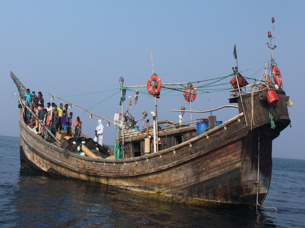 Bangladesh fishing boat 'Rana', which was adrift for 10 days due to machinery breakdown. (Source: Indian Coast Guard/Twitter)