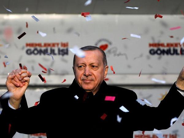 Trump, Erdogan hold phone call ahead of US-Turkey military meeting