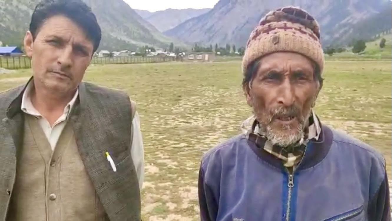 Families of two Kashmiri youth in custody of Pak Army say they are not spies