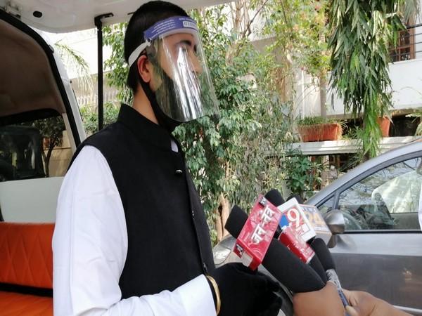Delhi launches free bus service to boost vaccination drive