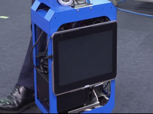 Japan's Shimizu Corporation produces artificial intelligence suitcase