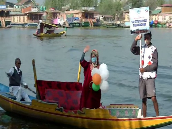 J-K Police organises 'Jashn-E-Dal' festival to boost water sports activities, tourism in Valley