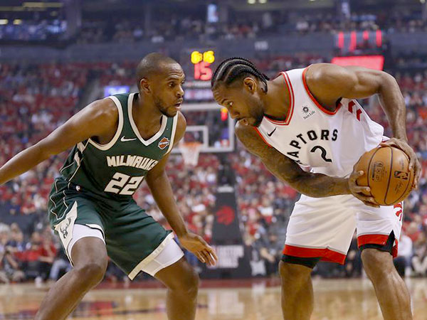 Raptors ride balanced attack past Bucks to even East final 2-2