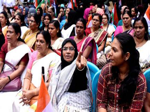 Malayalees in UAE divided over Kerala Women's Wall
