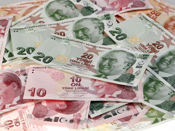 Turkey falls into recession for first time in a decade