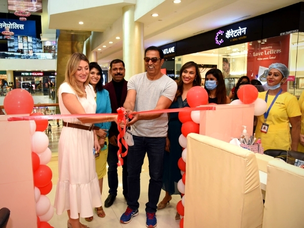 Marie Claire Paris 'Just Nails' launches its first studio kiosk in Viviana mall