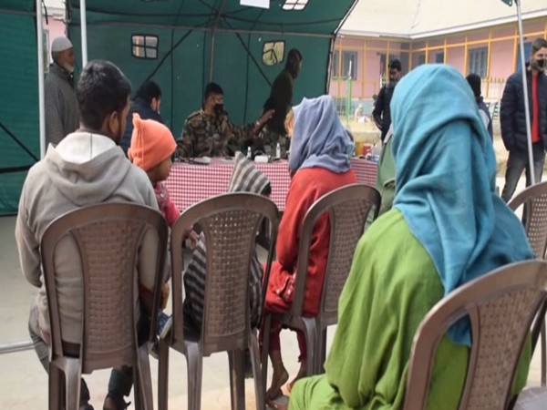 Indian Army organises medical camp for villagers in Pulwama's Newa