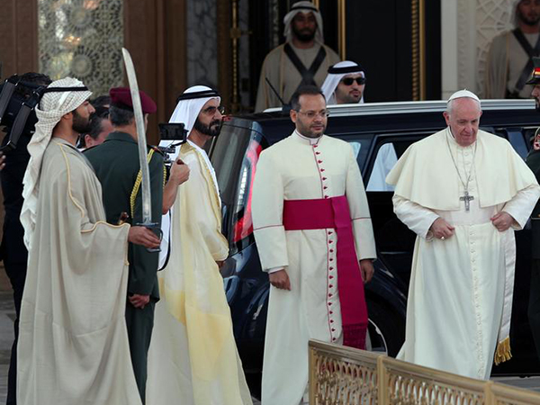Dubai priest receives birthday gift from Pope Francis