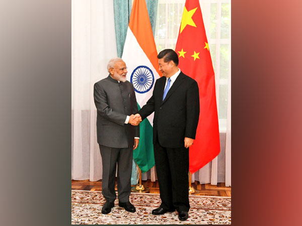 Indian Prime Minister Narendra Modi and Chinese President Xi Jinping (File photo)