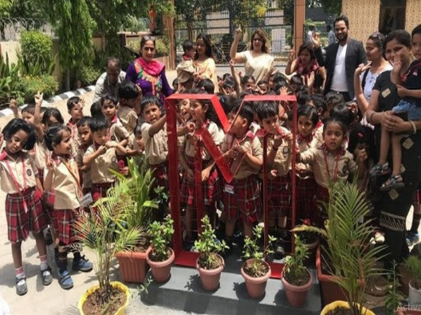 Delhi's 3-year-old kids celebrate Mother's Day in unique way