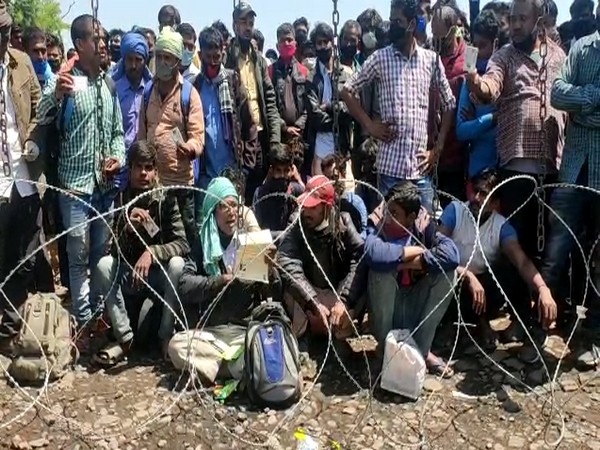 Migrant workers stranded at Raxaul-Birgunj border after the two countries imposed a lockdown