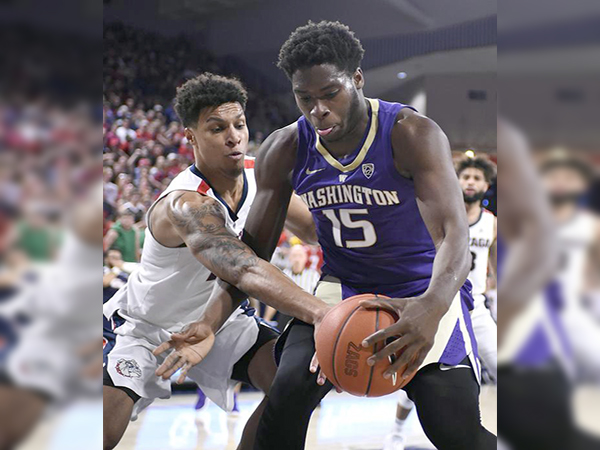 Washington forward Noah Dickerson finds he's a one-man team for opposing defenses