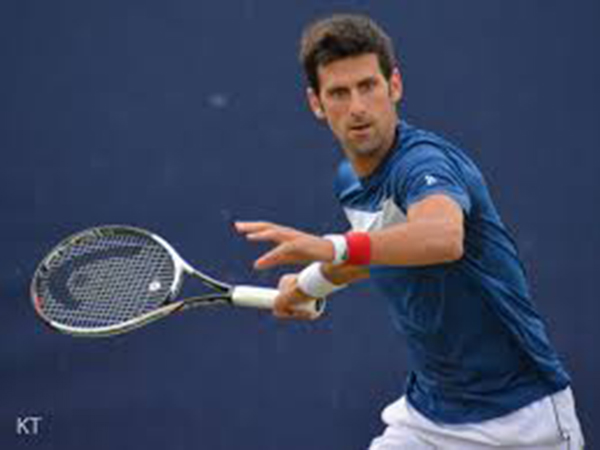 Djokovic advances to Australian Open semifinals