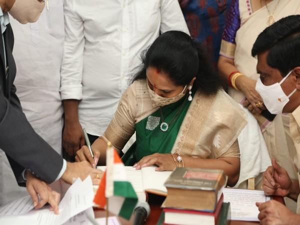 Telangana Rashtra Samithi (TRS) leader Kalvakuntla Kavitha taking oath as MLC from Nizamabad Legislative Council on Thursday. Photo/ANI