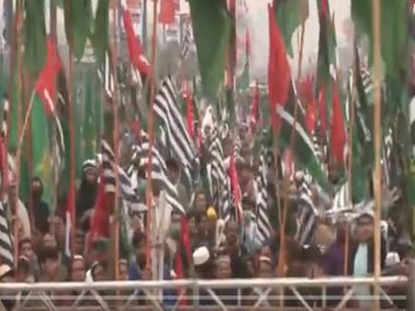 Power-packed show at PDM's Peshawar rally despite Imran Khan's threats