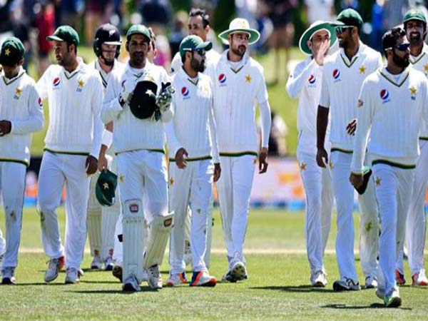 Pakistan lose toss, sent in to bat