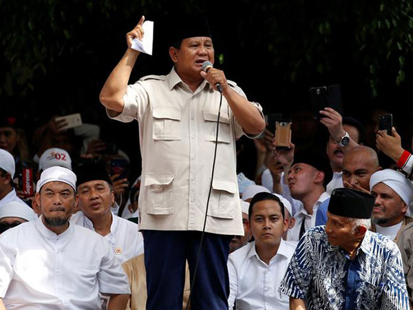 Jokowi, Prabowo to meet sometime this month, aides say