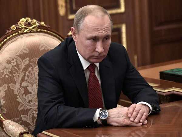 Russia: Putin dismisses idea of allowing country's head of state to serve for an indefinite term