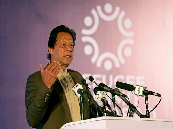 Disgruntled Pakistan PM Imran Khan accuses Nawaz Sharif of 'maligning 'army leadership