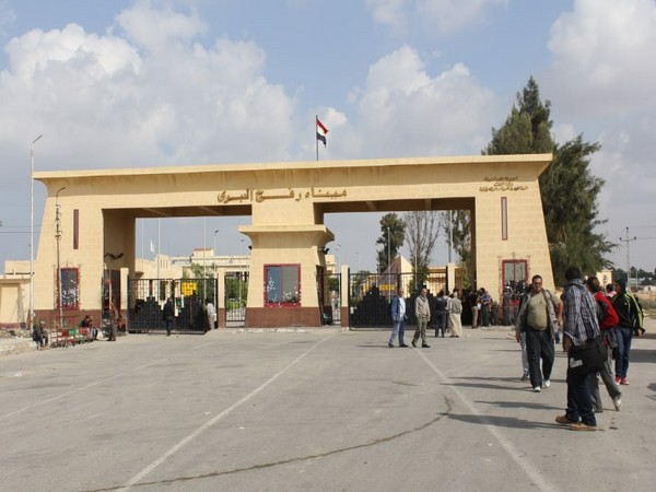 Amid COVID-19 pandemic, Egypt re-opens crossing with Gaza for 3 days