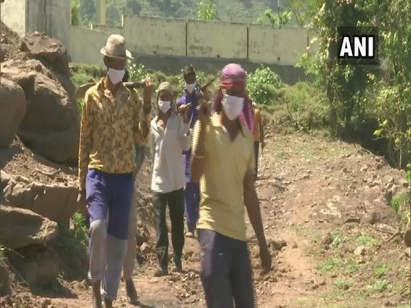 J-K: Labourers from remote Rajouri block get jobs under MGNREGA