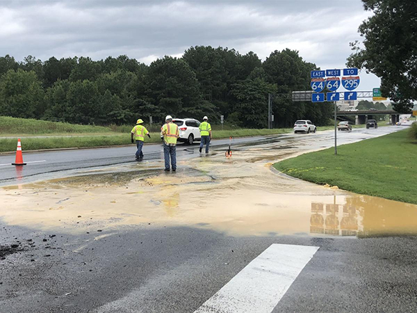 Richmond crews working to repair water main break