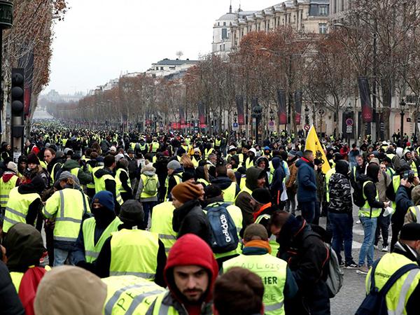 Saudi Arabian embassy urges citizens to avoid 'protest areas' in Paris