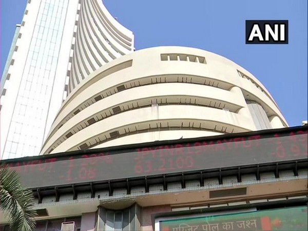 Sensex tumbles by 416 points, Kotak Mahindra Bank, RIL fall post Q3 earnings