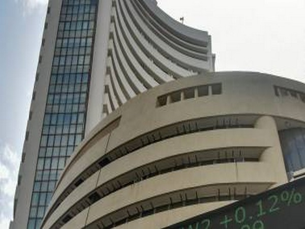 Selling pressure in auto, banking indices erases morning gains
