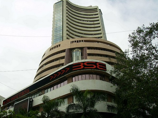 Sensex drops 96 points as US-China trade tensions escalate