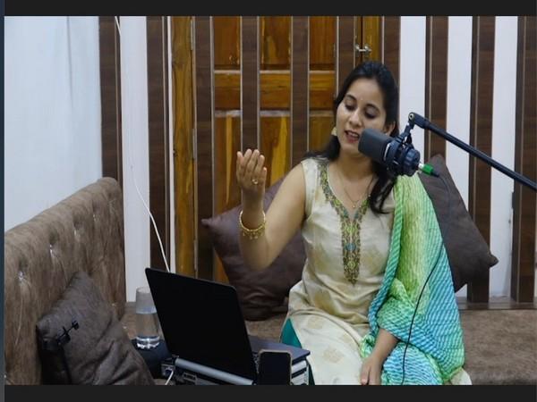 Singer Swapnali Gaikwad's tribute to veteran singer Lata Mangeshkar on her birthday sets a new world record