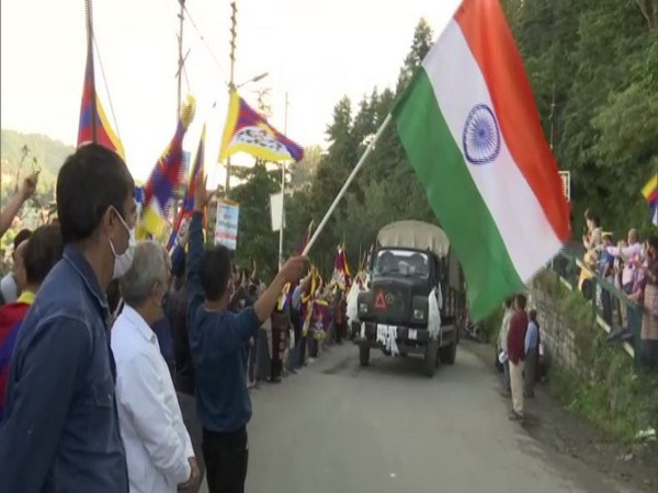 Tibetans boost morale of Special Frontier Force leaving for Indo-China border