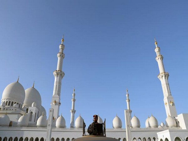 Prayers in all places of worship suspended for 4 weeks in UAE to combat coronavirus spread