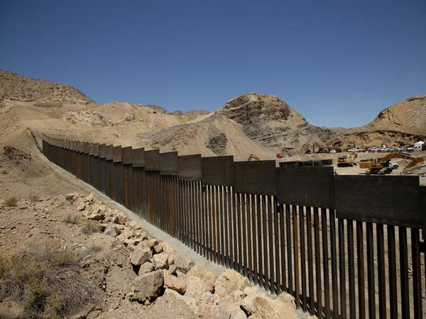 Mexico demands tighter border control as COVID-19 cases surge in US