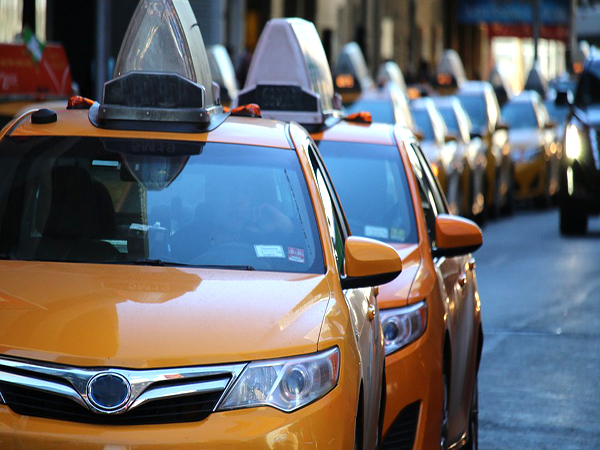 Central London congestion charge: Uber and all other minicabs will be made to pay £11.50 from April