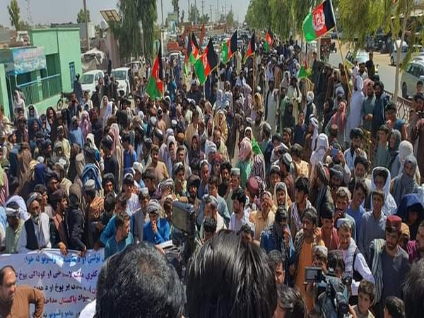 Pashtuns in Afghanistan hold anti-Pakistan protests to condemn firing at Durand Line