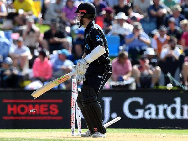New Zealand condemn Sri Lanka to winless tour with Twenty20 victory