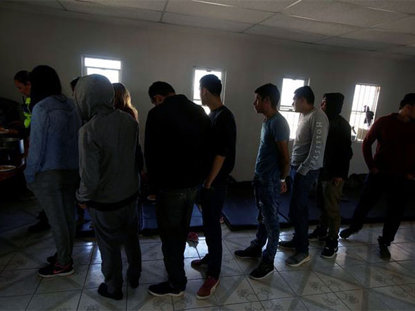 Appeals court allows Trump administration to send back asylum seekers to Mexico to wait out court process