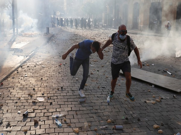 Number of those injured in Beirut clashes rises to 490
