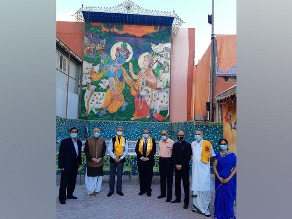 EAM Jaishankar visits 200-year-old Hindu temple in Bahrain (Source: Twitter)