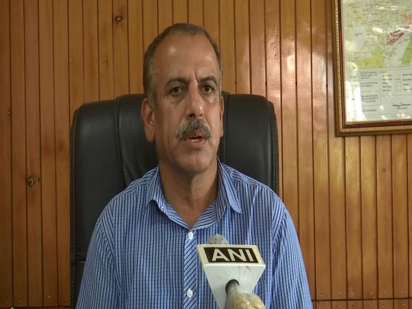 J-K lakes authority procures indigenous high-tech equipment to clean Dal Lake